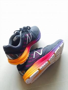 ジョギンググッズ シューズ ニューバランス シンガポール