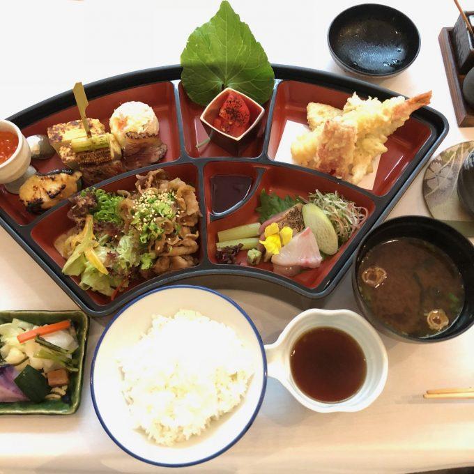松花堂弁当 八 Hachi Restaurant シンガポール